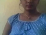 Indiska Supriya exponerar sina tissar i webbkamera